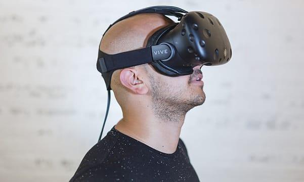 viendo vídeos para gafas de realidad virtual