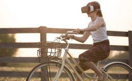 disfrutando de los juegos de realidad virtual para hacer ejercicio